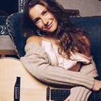 Caroline Jones 'Chasin' Me'