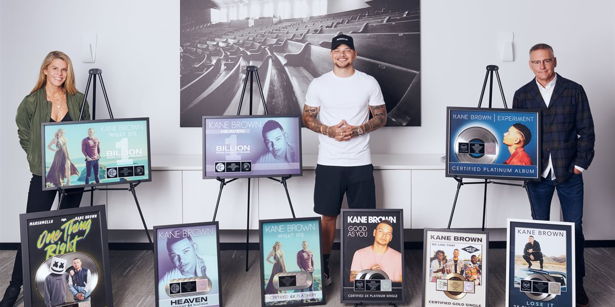 Kane Brown Stacks More Plaques