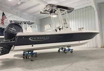2021 Robalo 226 Cayman Shark Gray (IN STOCK) Boat