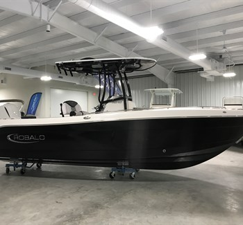 2019 Robalo R242 New Boat
