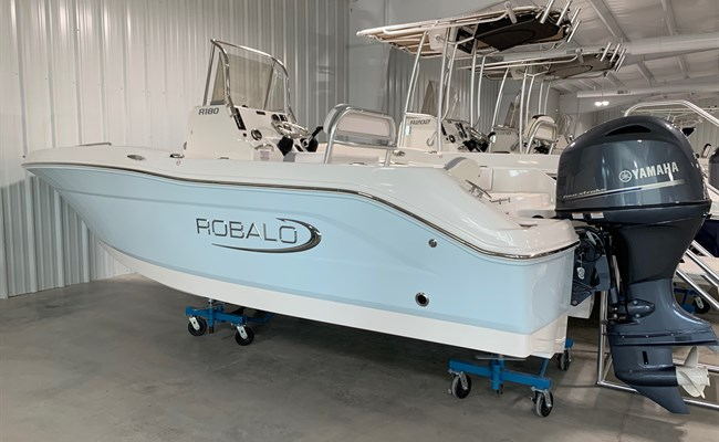 2021 Robalo R180 Ice Blue/White