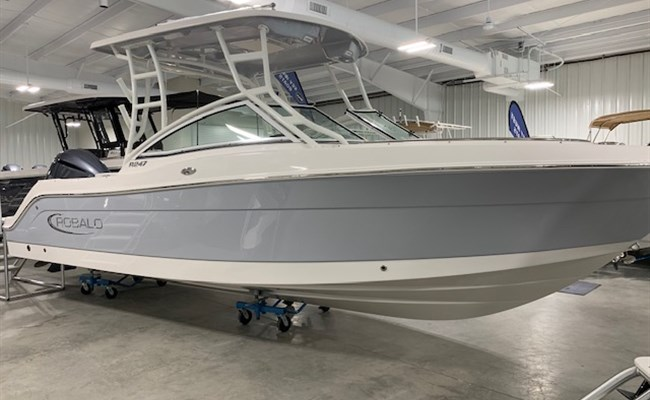 2021 Robalo R247 Alloy Gray (ON ORDER)