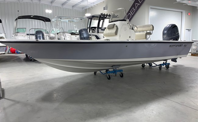 2021 Key West 210 Bay Reef Manta Gray/White
