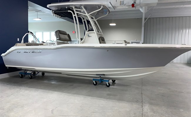2021 Key West 239 FS Manta Gray/White